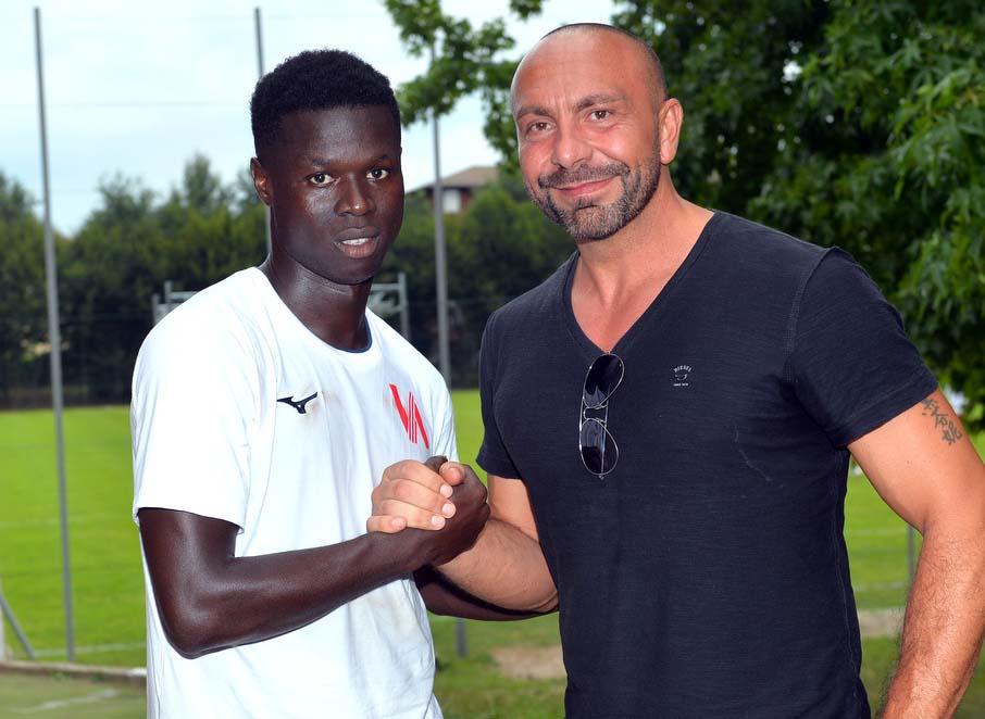 Varese, c'è la prima firma: Idrissa Camarà. Di nuovo in gruppo l'argentino Diaz